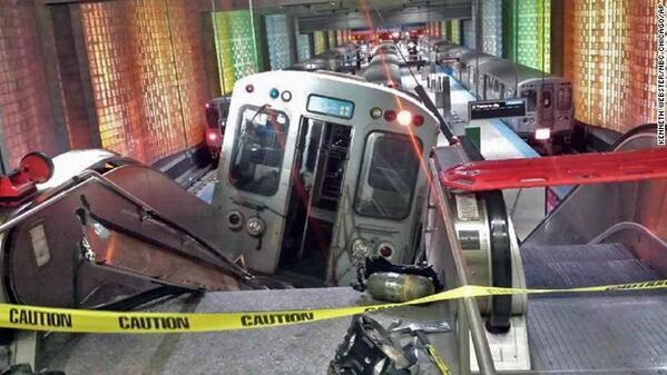 シカゴの事故を調査中の連邦捜査官は、「電車がエスカレーターを登るような事故を初めて見た」と言っているそう。そりゃそうだろうな。@CNN  A federal investigator says hes never seen... pic.twitter.com/tdhedTMCrU