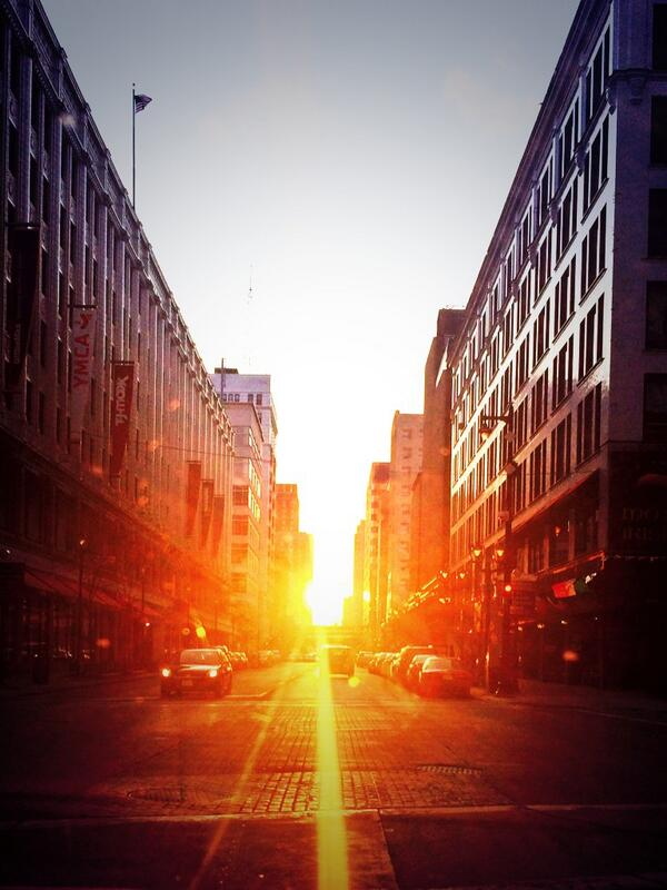 A ray of light shines bright on Wisconsin Ave http://t.co/CtQKeJXMri