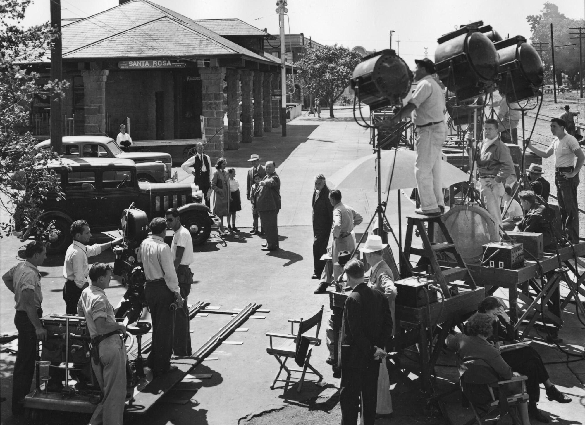 Twitter / FilmHistoryPics: Alfred Hitchcock directing ...