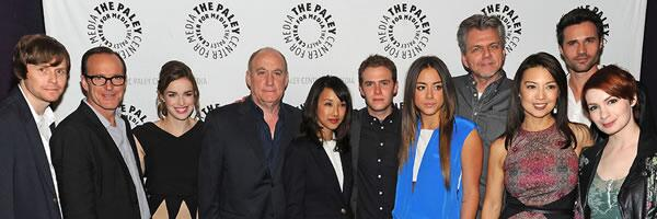 """I call this, """"Three Asians Look at the Wrong Camera."""" @MingNa @ChloeBennet4 http://t.co/1rCmOpzEgu"""