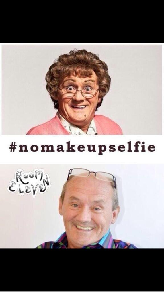 Thanks Agnes #NoMakeUpSelfie from all the Keatings. @AgnesBrownTV @MarieKeating @ronanofficial http://t.co/aLsFWoIv1e http://t.co/AeMNhl2Luf