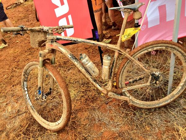 "Hard tail in Africa is like a knife in gun fight! ""@AbsaCapeEpic:The bike with broken chain stay of @centurionvaude  http://t.co/hl2YvfMVks"""