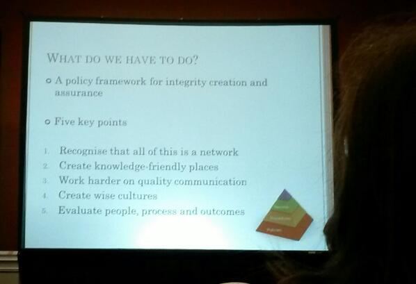 David Rooney on how to create a knowledge integrity policy in libraries. #slaagc2014 five key steps: http://t.co/4hx5kuwATa