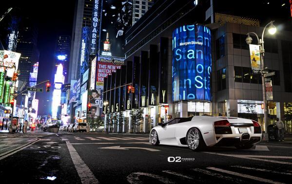 It's just a #Lamborghini at #TimesSquare #NYC @mycarportal @Jalopnik @GTspirit @lamborghini @Luxury4play http://t.co/7zmzHvkOTv