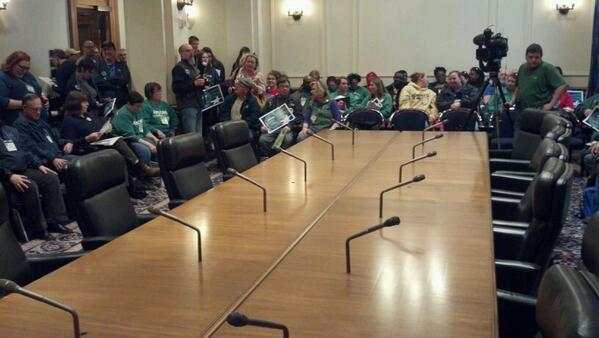 A large empty table awaits minimum wage negotiators now surrounded by #AFSCME members who want a raise to $9.50. http://t.co/N1a408yOdw