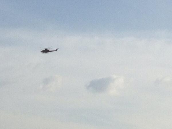 #Guayana 4:16pm Continúan sobrevolando helicópteros. Toma desde La Churuata-Karimanparú #YoLuchoHastaVencer http://t.co/PfQi3FfvUe