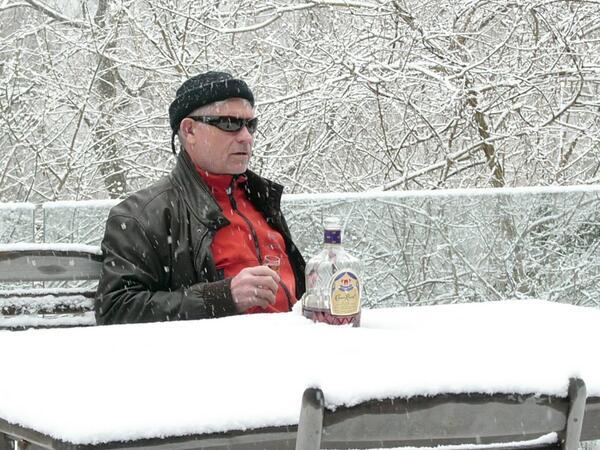 Punxsutawney Phil said 6 more weeks of winter.... I say Punxsutawney Phil is for dinner. http://t.co/YDlFwWEURZ