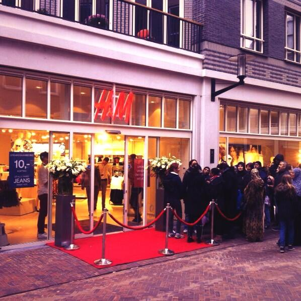 Twitter / hmnetherlands: Yes! We zijn open in #Amsterdam ...