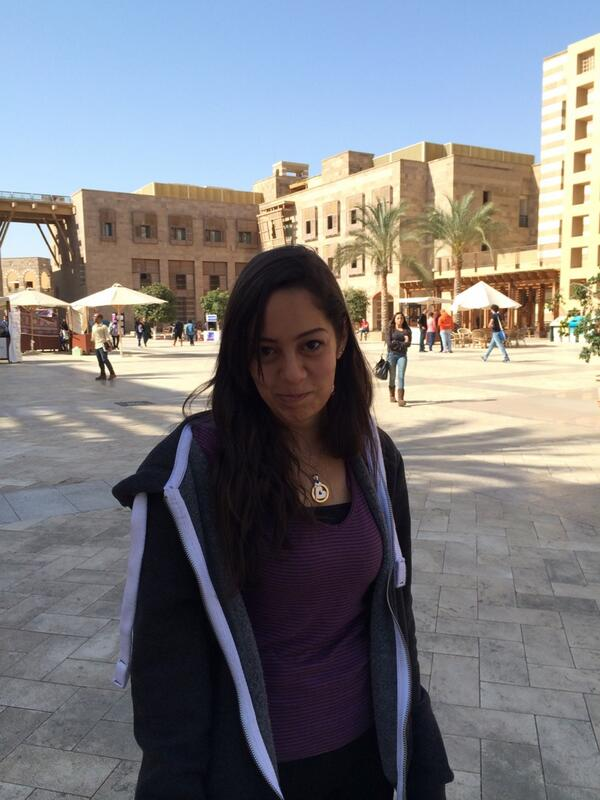 Menna samir is afraid of birds#JRMC202 http://t.co/JvdOtBDFQc