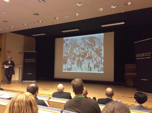 Johanna Berg liknar upphovsrätten med omställningen från vänster till  högertrafik 1967 se bilden #digikult http://t.co/WsR7PS8xpc