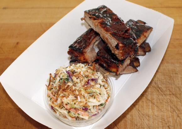 Yankees selling these Coconut Rum Glazed BBQ Smoked RIBS this season http://t.co/Isir73AQrt