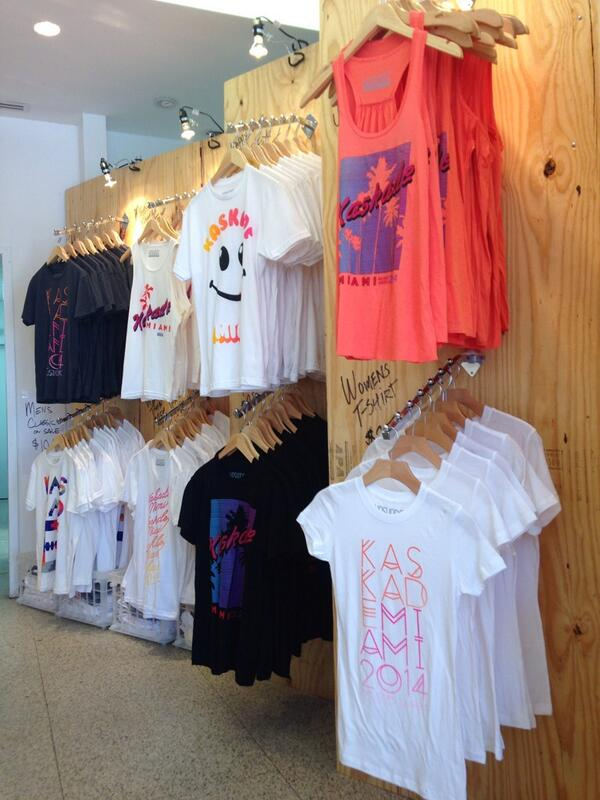 Kaskade pop up is officially open for business!!! 413 15th street and Washington http://t.co/Nc59AnZdYe