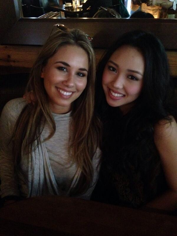 Met up with one of the loveliest + coolest gals I know, @HaleyReinhart I missed you SO much. <3 http://t.co/307aEekJwE