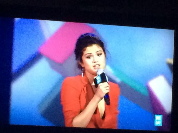 "@selenagomez tells of casting director who told her at 11 she won't make it. She says ""believe in urself."" #WeDay http://t.co/bc9O0V0YSp"
