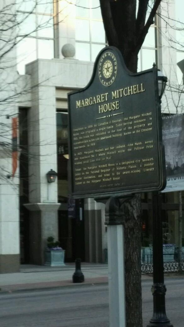 @StateMarkers: Ever been to Margaret Mitchell? I just spotted Scarlett. #GWTW http://t.co/iytPyywHR6
