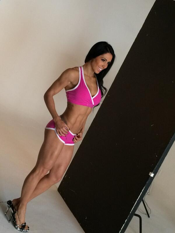 Our first international model shot locally @bellafalconi showing us how the pros do it @USNSA @BoostGymwear http://t.co/0Qh21LGIzw