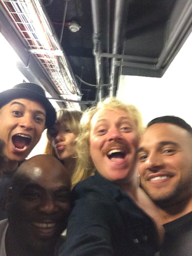 Big reunion celebrity juice special 10.30 tonight http://t.co/sAwx3A2Pw3