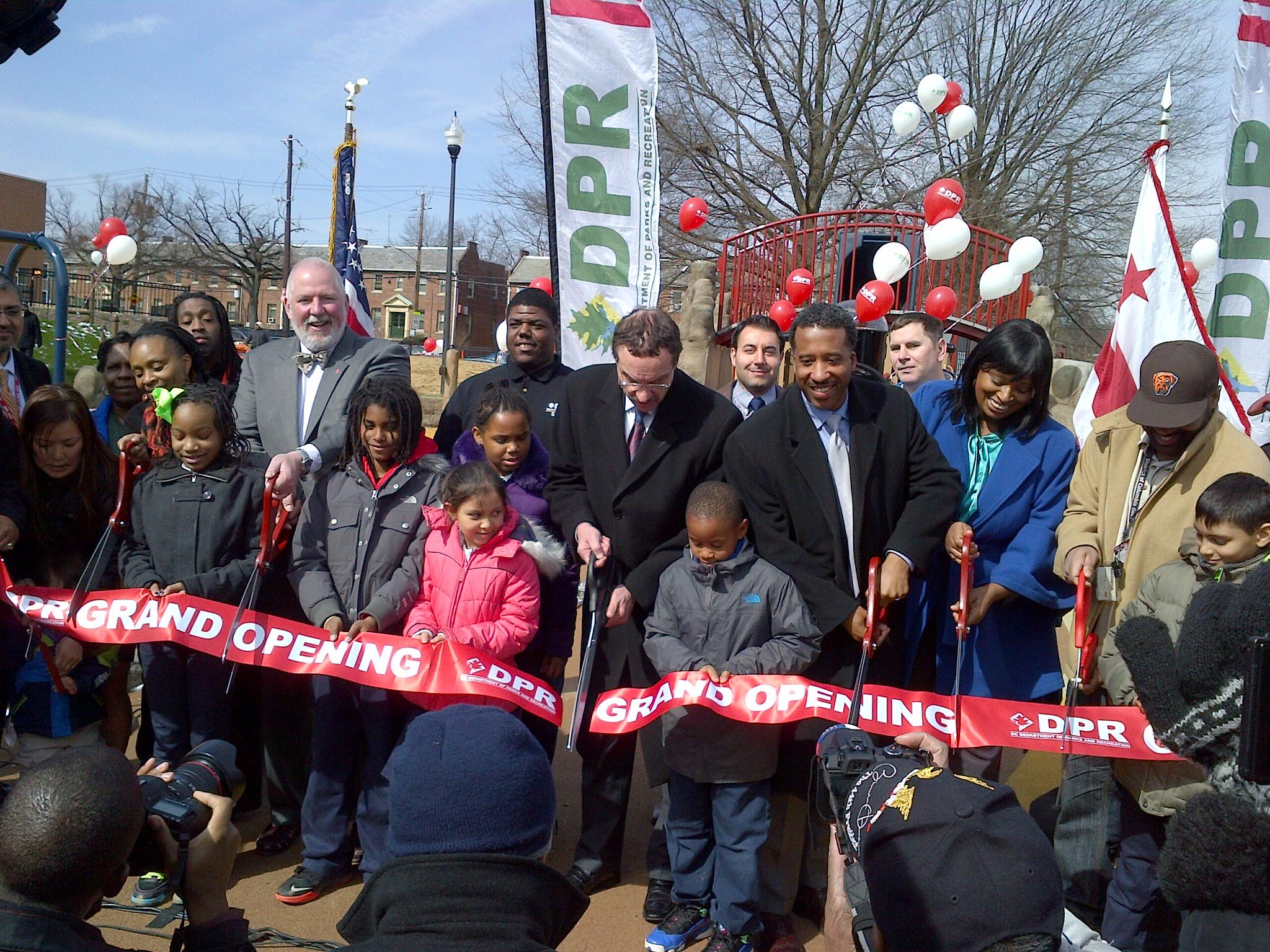 Twitter / mayorvincegray: ...and the Turkey Thicket ribbon ...
