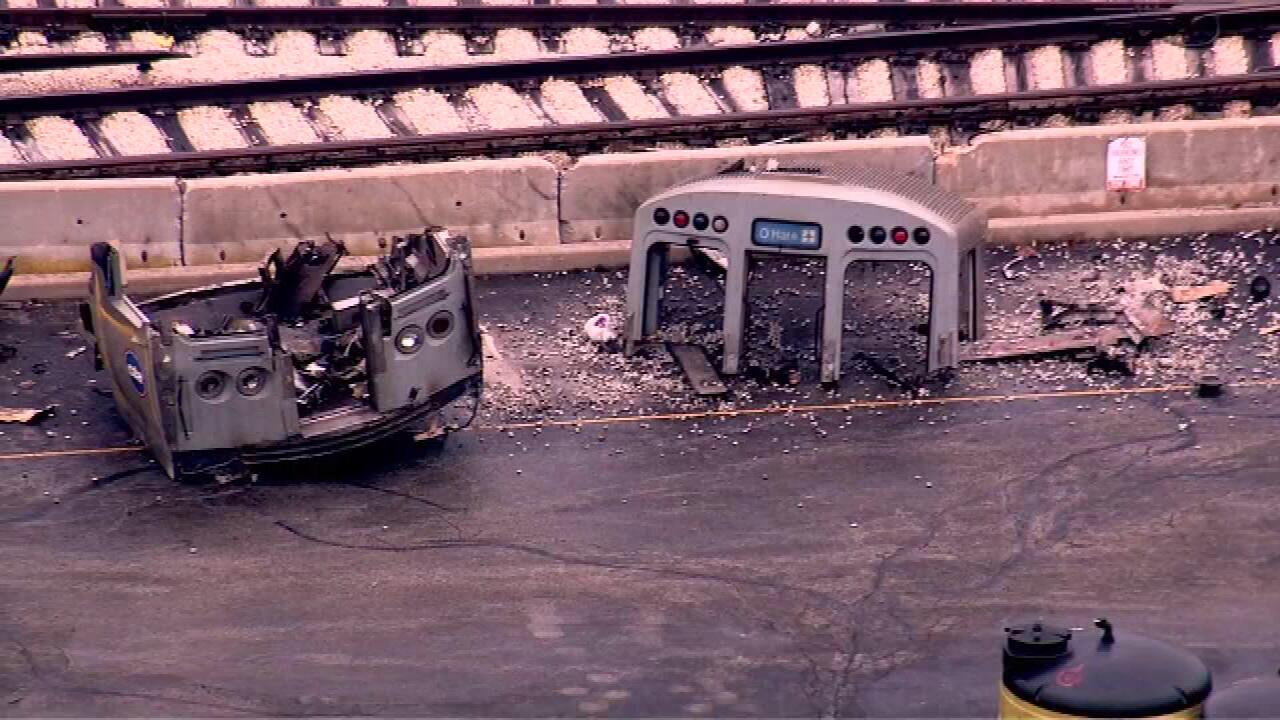 Train derails at chicago s o hare airport march 24 2014