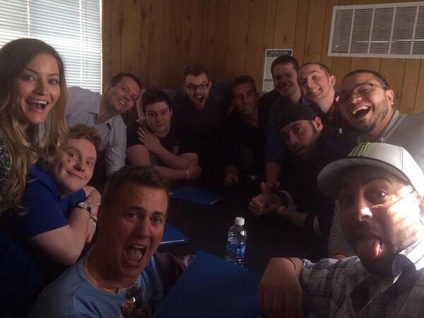 Can we get more RT's than Ellen did on her Oscar selfie with the CoD Caster selfie cc: @CallofDuty - http://t.co/e103x6mrTV