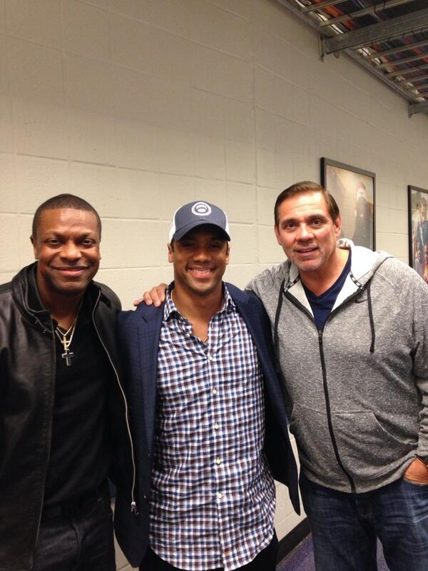 Hanging out at the Hawks BB game with Russell Wilson & Chris Tucker. http://t.co/bKmQtJJgCw