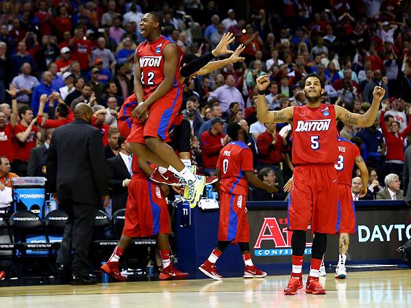 Meet the Flyers: Dayton's 12-man rotation has it rolling into the Elite Eight http://t.co/1ZcHucniom @SIPeteThamel http://t.co/a1bLckHN9A