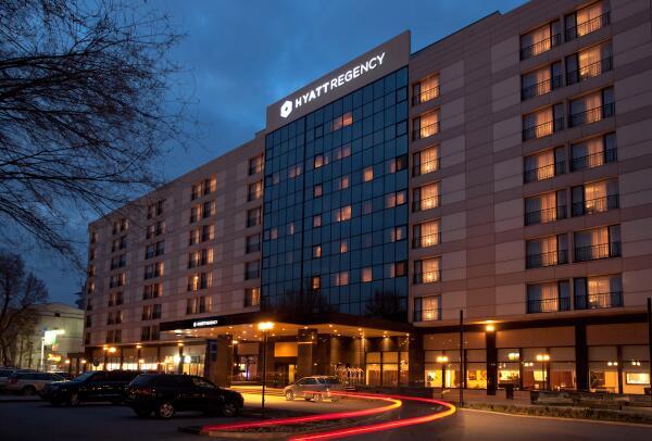 Сдается помещение площадью 100 м2 в отеле Хаятт Ридженси Бишкек. За доп. информацией, пожалуйста, звоните: 0550582802 http://t.co/MCSeYAXxbi