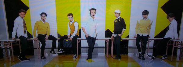 조금 전 #뮤직뱅크 에서는!! 그들이 돌아왔다!! 다이나믹한 오피스 퍼포먼스 대공개!! #슈퍼주니어M 이 #SWING 사전녹화를 하였습니다^^ 오늘 저녁 6시 30분 KBS2 < #뮤직뱅크 > #슈퍼주니어M http://t.co/oH72mH2Hv6