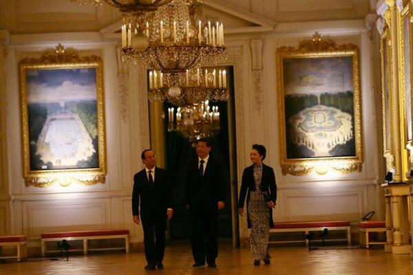 Photos, vidéos, discours, textes > Revivez la visite d'État de M. XI Jinping http://t.co/QARTYiZcxI #FranceChine http://t.co/wVU522LcT7