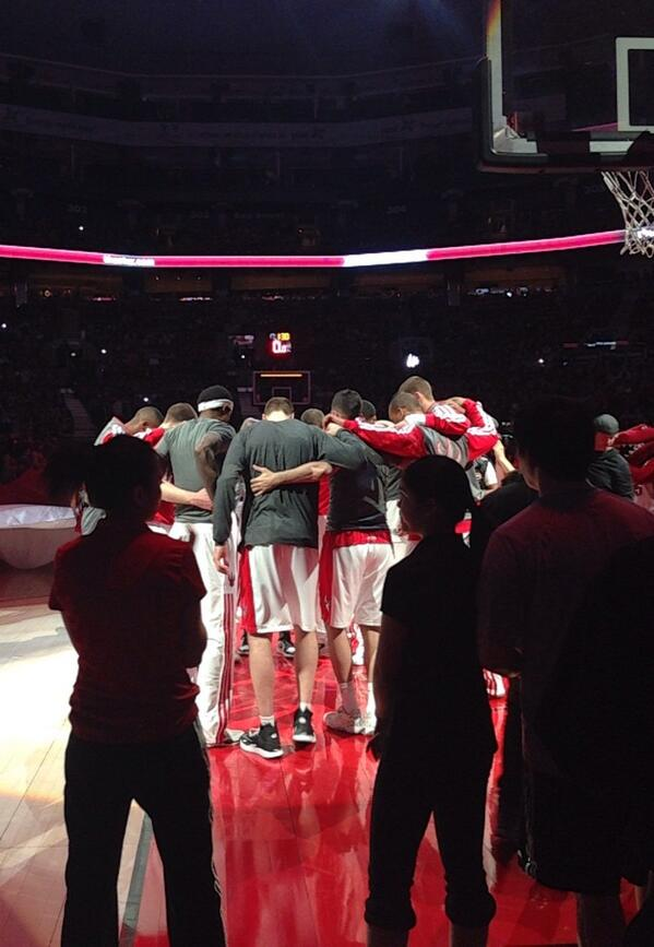 And here we go! @Raptors #RTZ #family #ilovethisteam http://t.co/83RqmQ4LT8