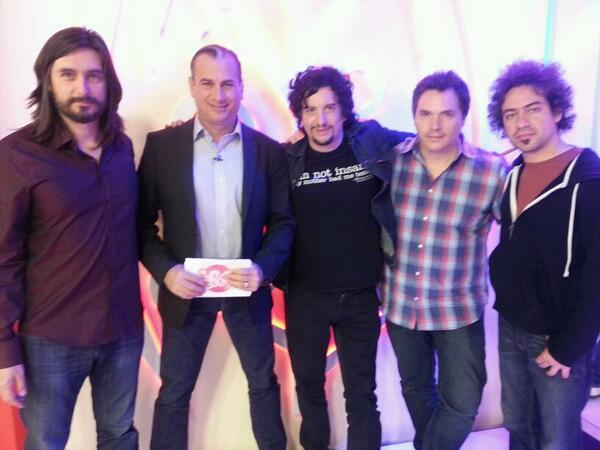 Hoy la música de @AlfonsoAndre y LittleJesus, acústicos; en @tucasatvoficial 6pm Canal 52MX Dish Mvs, @LATV 7P/9E http://t.co/vyivaJq9Fo