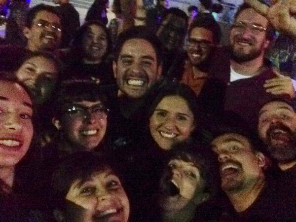 ¿El selfie de los oscares? No! El selfie del equipo de @magisrevista y @alumnositeso #ForoMagis http://t.co/D4VP3PqyJV