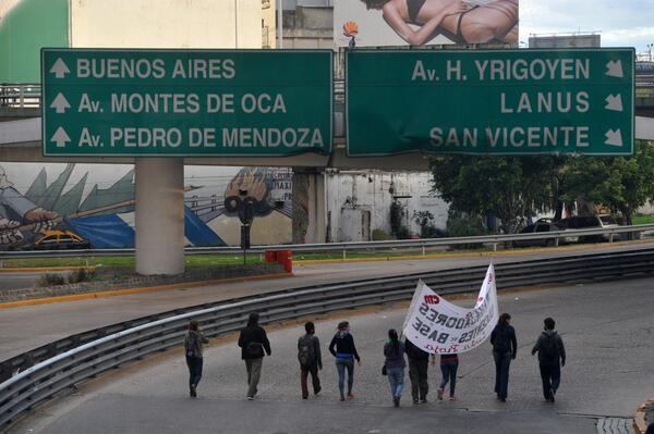 Con eje en el transporte, Moyano y Barrionuevo lanzaron su paro http://t.co/IgEthPlrVU http://t.co/KaTDZKZcZB
