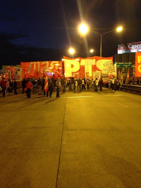 Primer corte del día en el puente Pueyrredon 6:30 A.M. @bairesdirecto @telefenoticias http://t.co/4H3uOSDx84