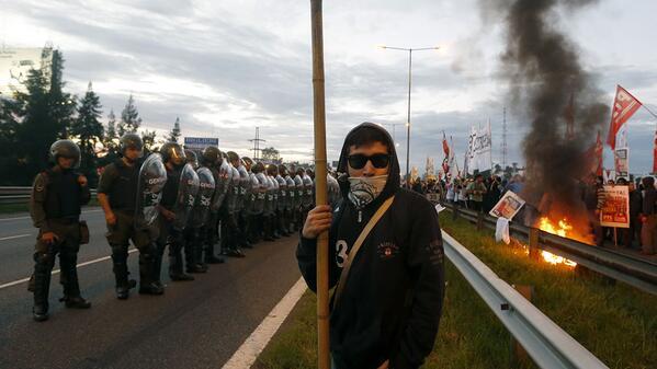Jornada de paro, piquetes e incidentes #Argentina http://t.co/NN6g6xNi9E