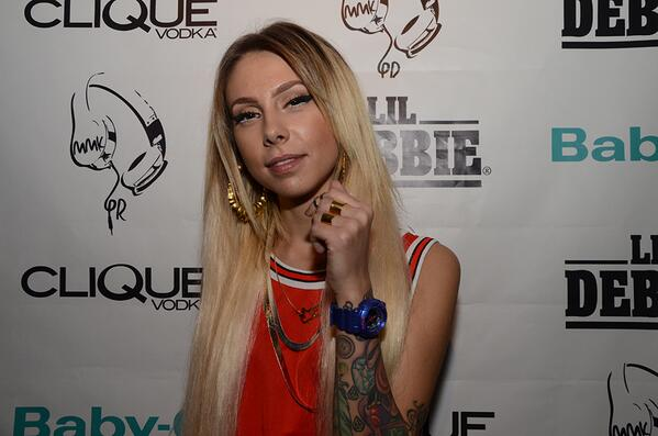 .@L1LDebbie at her listening party in LA! http://t.co/OYnBXgewWg #CliqueShots http://t.co/5iIa2sM4IJ