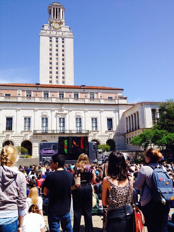Students gathered at #UTTower to watch Barack Obama's #CivilRightsSummit speech http://t.co/UP7xXYkVsQ