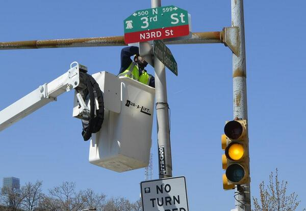 """This is a photo of a """"N3rd Street"""" sign being put up in #Philly today http://t.co/5xooPlTx4H  via @LilJimmi http://t.co/89ehWXxKP6"""