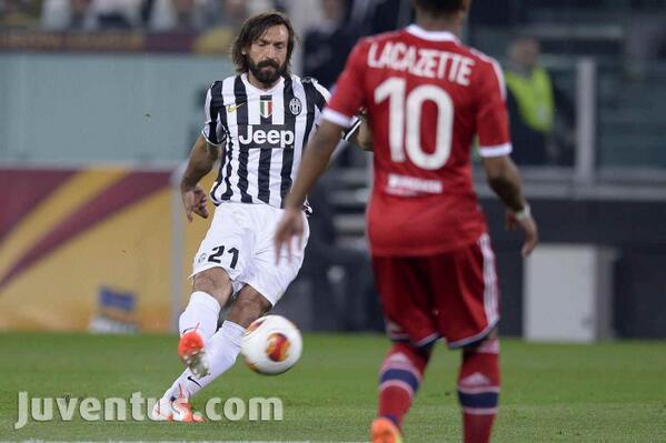 Le topic de la Juventus de Turin, tout sur la vieille dame ! - Page 8 Bk4uVomCcAMcmfW