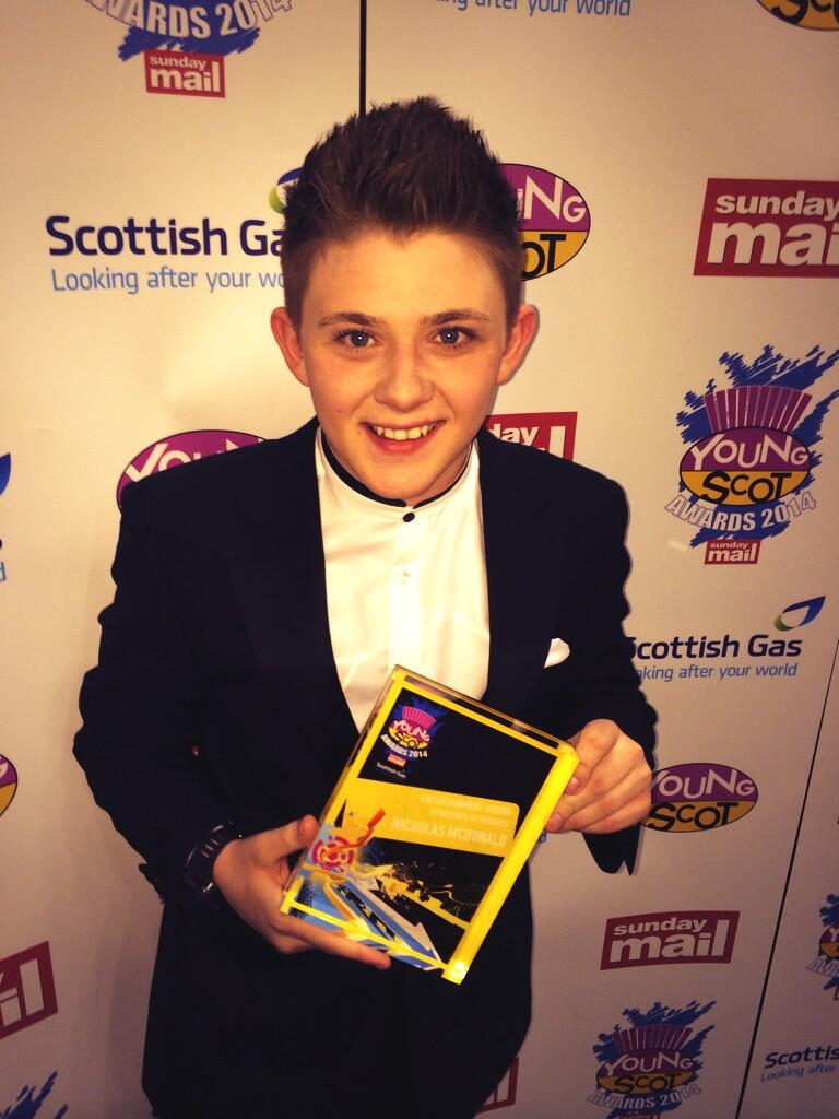 I CANT BELIEVE I WON THE MUSIC AWARD AT THE YOUNG SCOT AWARDS THIS AWARD IS FOR ALL MY AMAZING FANS I LOVE YOUS 💙 http://t.co/5YRTPiqrtt