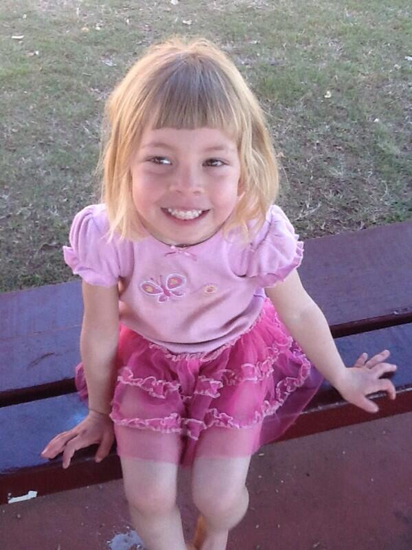 Missing girl in Australia - Page 3 Bk5KL8RCQAArU2m