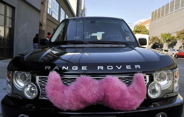Ready for pink mustaches in MKE? @lyft is launching tonight! Get 2 weeks free! http://t.co/UQRgEIq4Yp http://t.co/lJCG6CraCJ