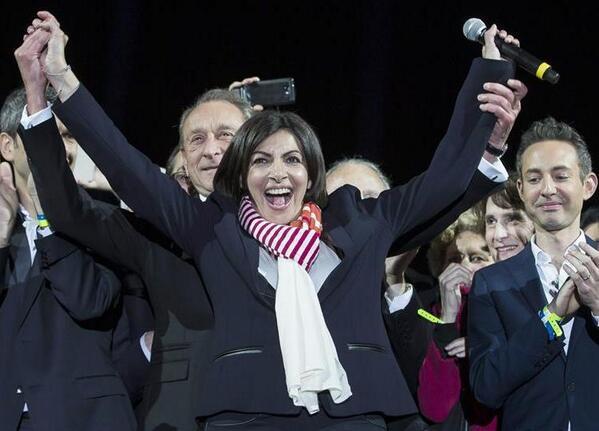 Anne Hidalgo se convierte en la primera alcaldesa de París http://t.co/MgUISCnd5y http://t.co/7yOG5xmef0