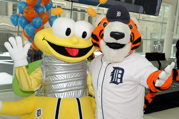 It's a great day to be in Detroit, it's 2014 @tigers #OpeningDayDET! Tweet us some of your favorite memories. http://t.co/0TwnfnvuOg