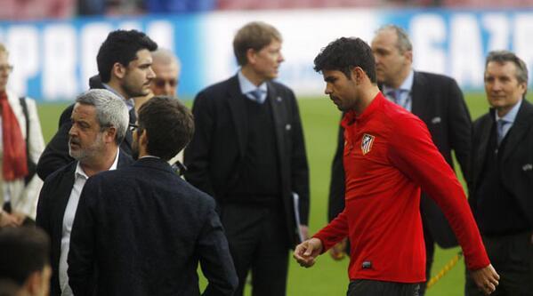 Spécial Messi et FCBarcelone (Part 2) - Page 4 BkEx8SACMAA_t4b
