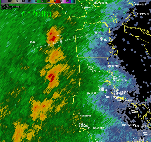 Band of moderate to heavy rain and probable small hail about to hit #SF. #bayarearain http://t.co/OVIzcK0ief