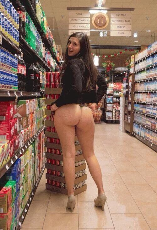 Pawg shopping at market
