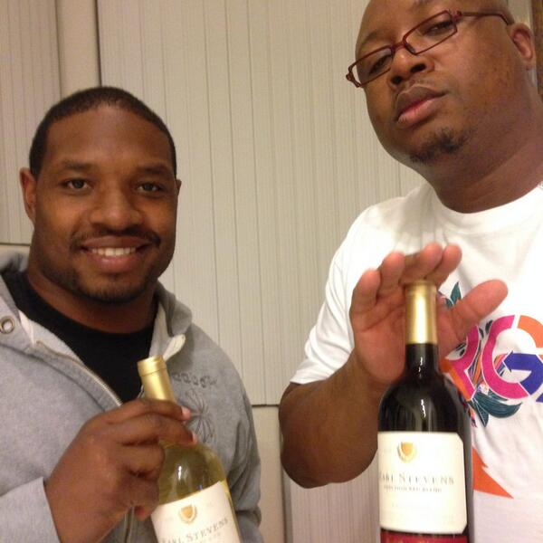 With my neighbor @E40 on that earl Stevens. I love the bay http://t.co/hyq1VQ6FW3