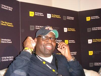 R.I.P. Frankie Knuckles https://t.co/yu47Udrb8X I checked this from a variety of sources considering it is April1st http://t.co/71eCyxRaPj