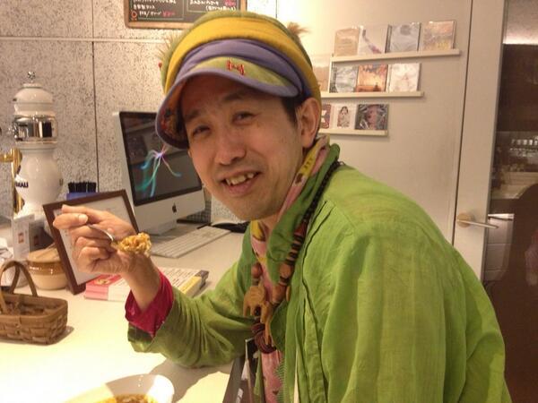 ayajigoku / 綾地獄 カレーを食べるひんでんさん!!かわいい!!